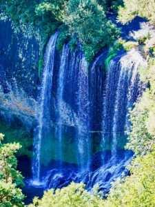 La cascade de La Beaume et ses hautes chutes d'eau