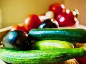 concombre, tomates, aubergines